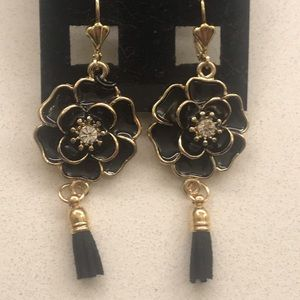 Handcrafted rose earrings with tassel